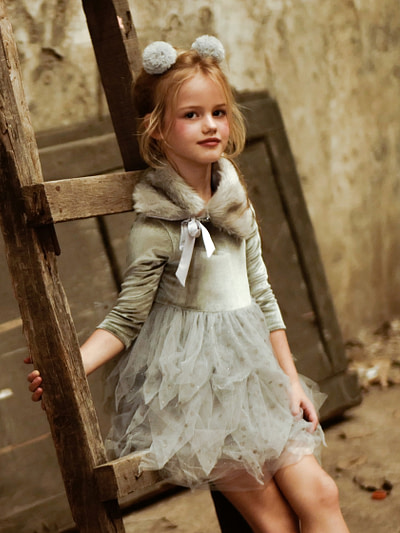 tutu šaty sivé