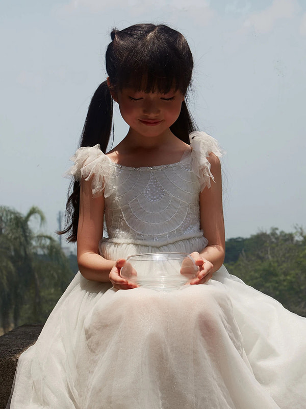 biele tutu šaty