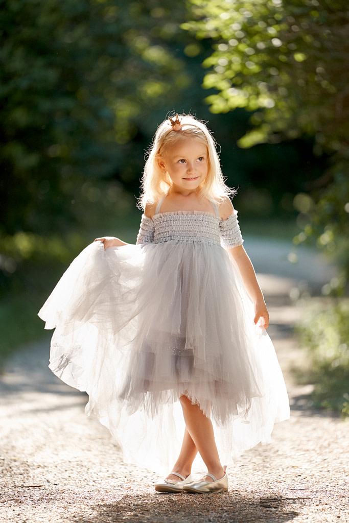 4-ročná Mia v svetlomodrých tutu šatách Luna Luna Elizia